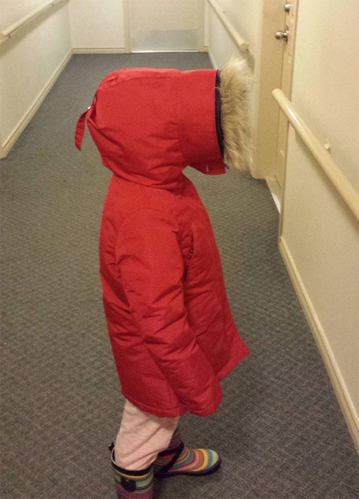 Mi hija con su abrigo parece Kenny de South Park