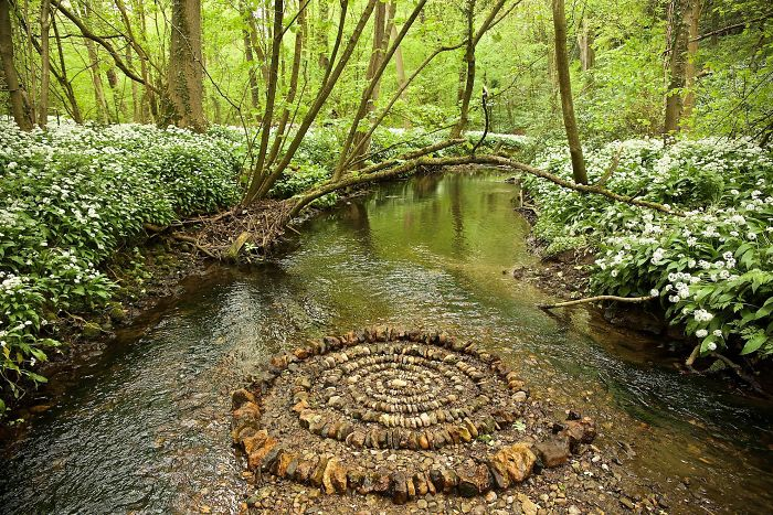 James-Brunt-Natural-Materials-Land-Art-England