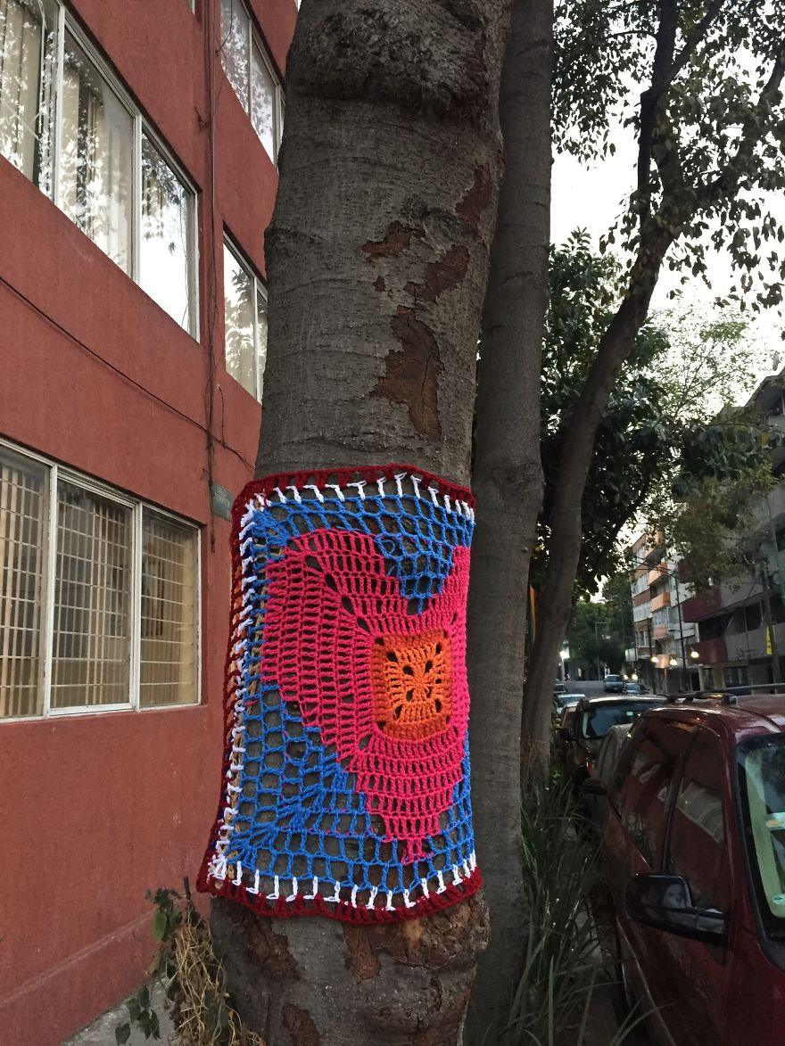 Yarnbombing In Torreón Street, In The Neighborhood Of La Roma Where A Building Colapsed