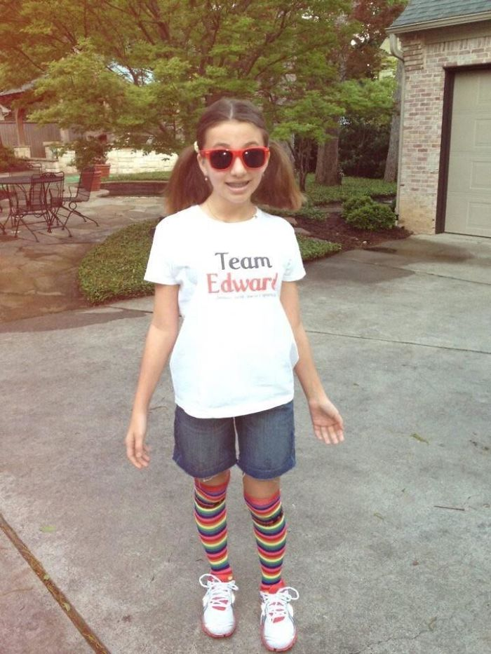 """The Shirt Says, """"Team Edward: Because Jacob Doesn't Sparkle"""""""