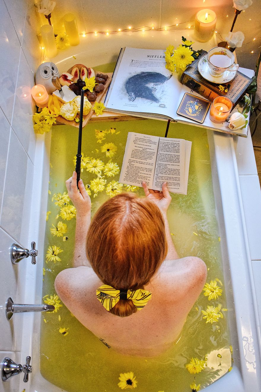 When You Can't Get Enough Harry Potter In Your Life, Create Your Own Hogwarts House Themed Bath!