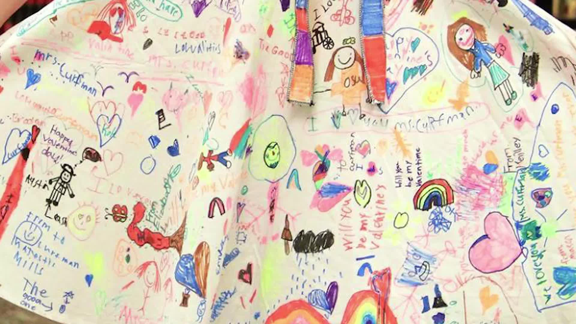 2nd Grade Students Cover Their Teacher's Dress In Drawings, And Her Story Takes Over The Internet