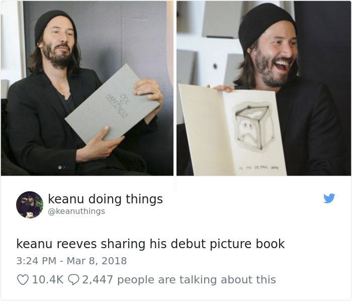 Keanu Reeves compartiendo su primer libro de dibujos