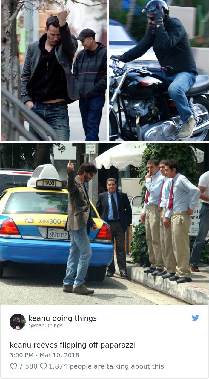 Keanu Reeves enseñando el dedo a los paparazzi