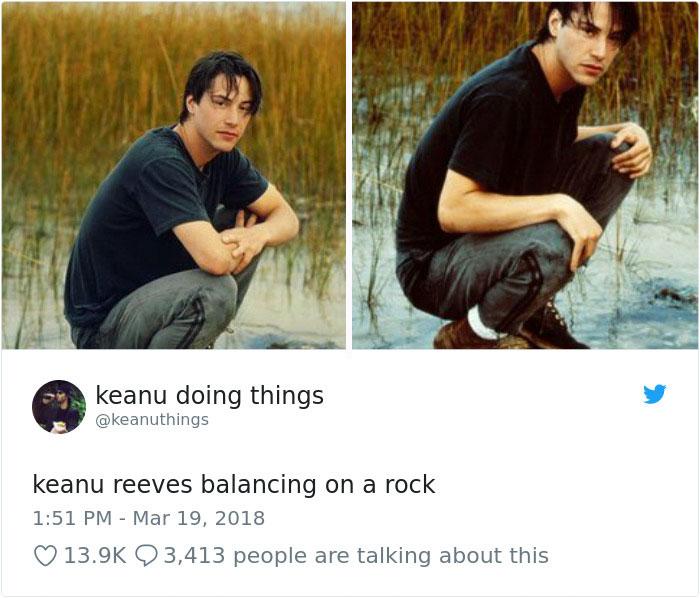 Keanu Reeves haciendo equilibrio sobre una piedra