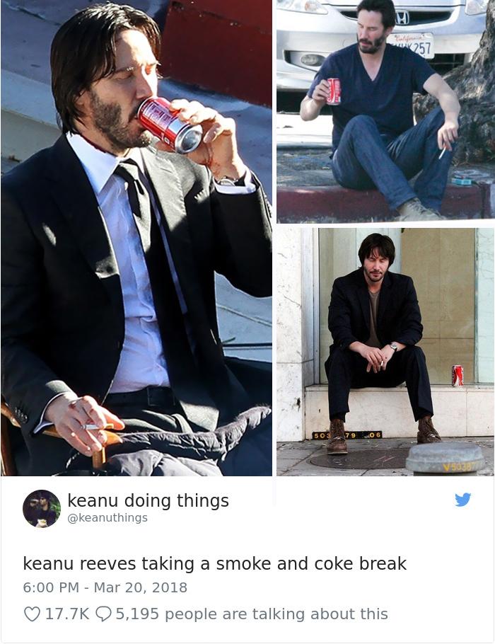 Keanu bebiendo cocacola y echando un cigarro en el descanso