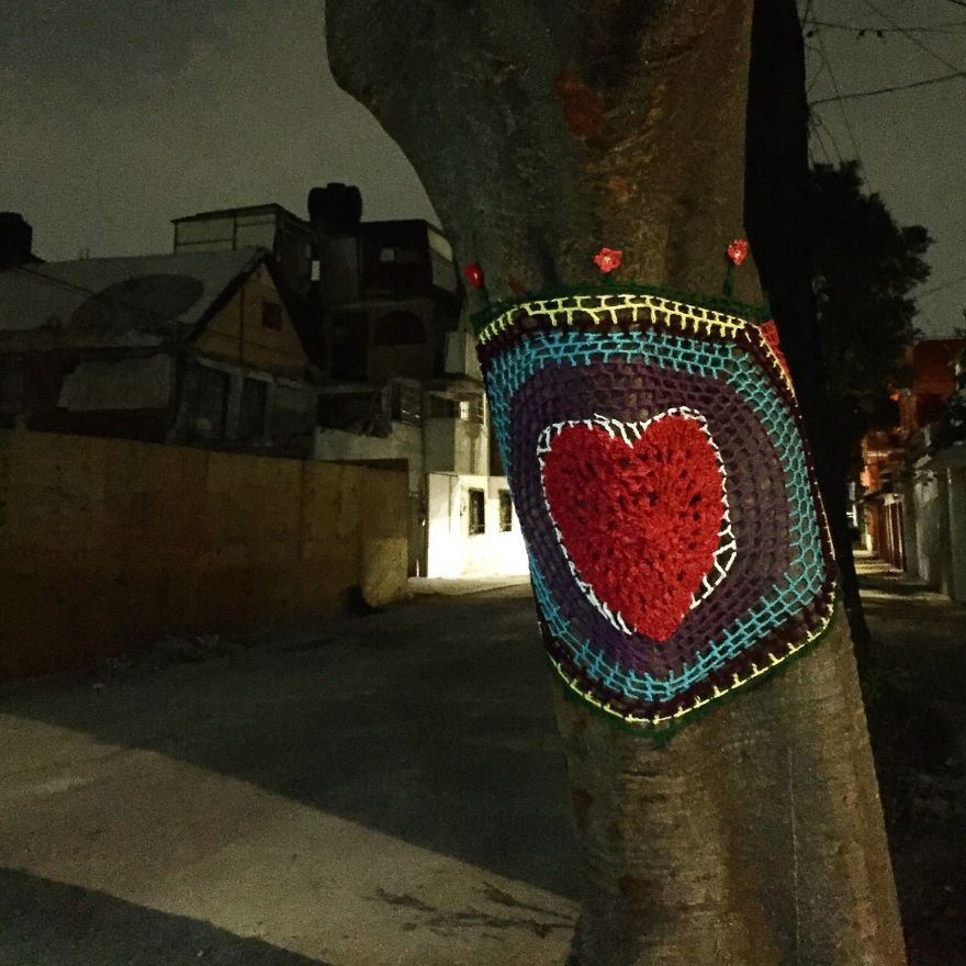 Yarnbombing In Escocia Street, In The Neighborhood Of Del Valle Where Two Buildings Collapsed Killing More Than 30 People