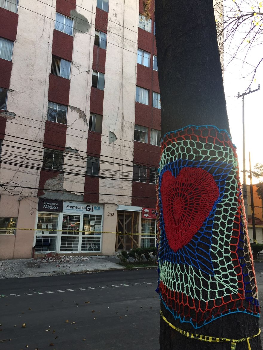 Yarnbombing In Zapata Avenue, In The Neighborhood Of Narvarte Where One Building Collapsed Killing More Than 10 People And Others Were Severely Damaged