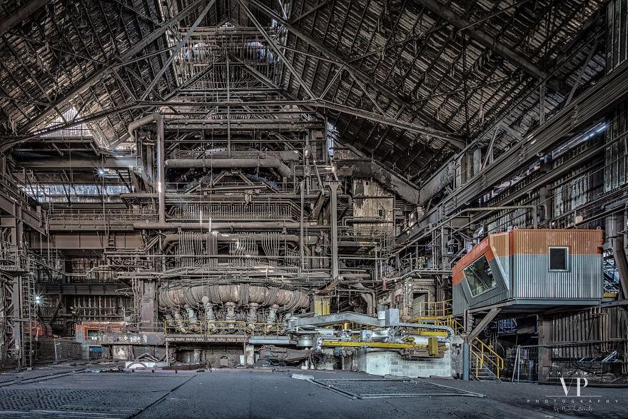 I Photograph Abandoned Stuff