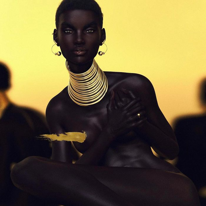 Meet-Shudu-the-black-model-with-the-perfect-beauty-that-will-never-shine-in-fashion-shows-5a9944eb5b7c6__700.jpg