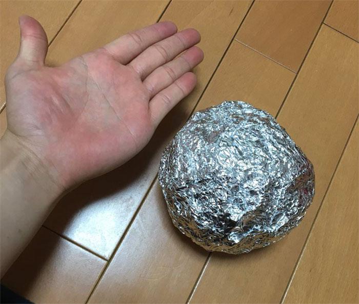 En Japón les gusta pulir bolas de papel de aluminio hasta la perfección, y el resultado es muy satisfactorio