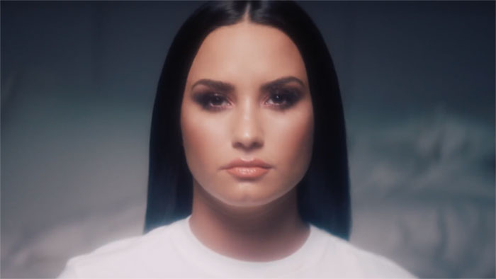 Demi Lovato Removes All Her Makeup In Video, And The Result Speaks For Itself