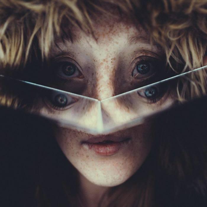 Esta chica de 26 años nacida con un raro defecto facial rompe los estándares de belleza con su carrera de modelo