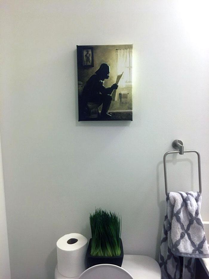 He dejado a mi marido decorar el cuarto de baño