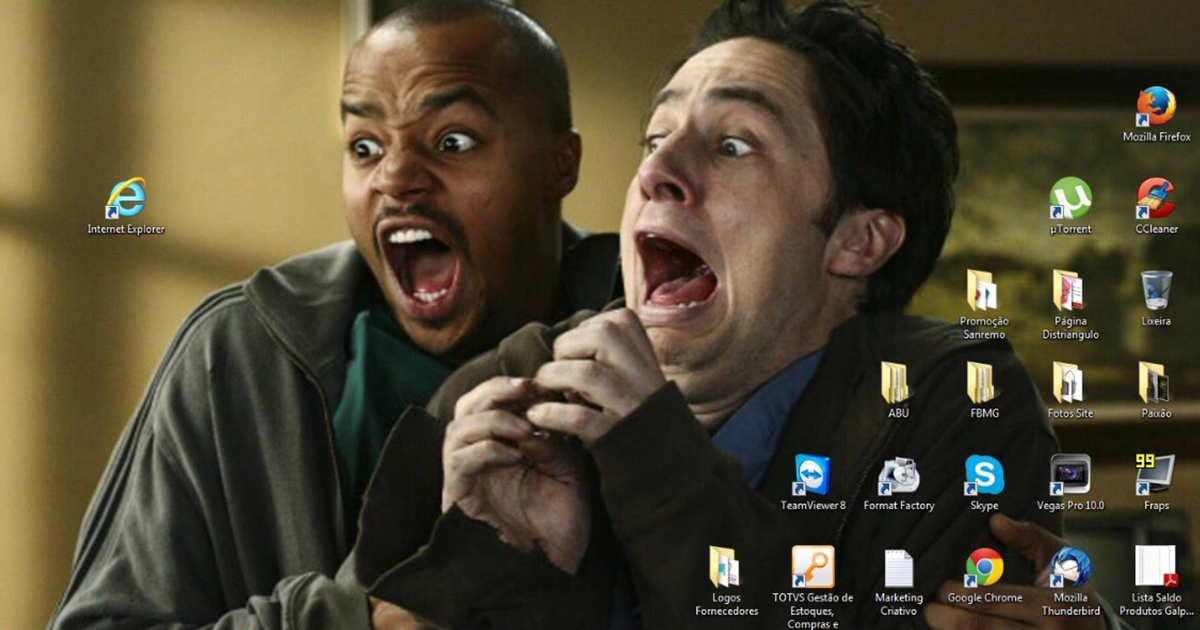 30+ Hilariously Genius Desktop Wallpapers That Will Make You Look Twice