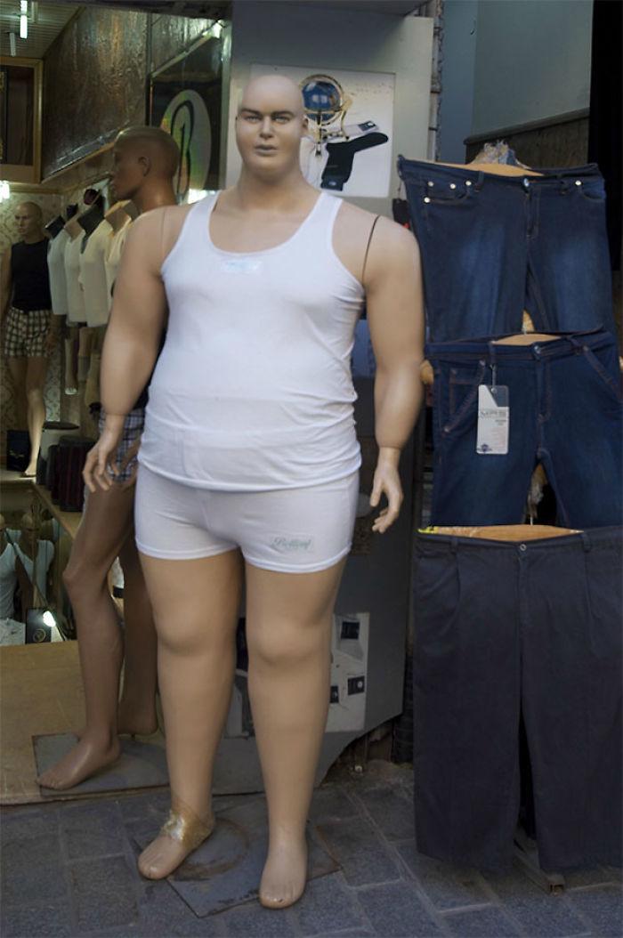 Maniquíes obesos vale, pero...
