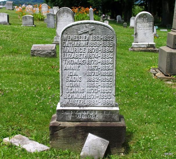 grave-5a98d25c04946.jpg