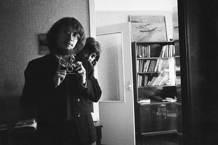 Masha Ivashintsova con su amante, el fotógrafo Boris Smelov. Leningrado, 1974