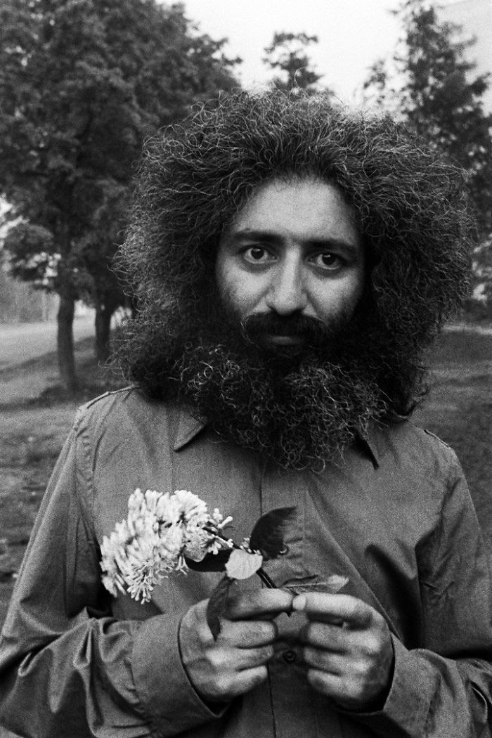El lingüista Melvar Melkumyan, marido y padre. Leningrado, 1976