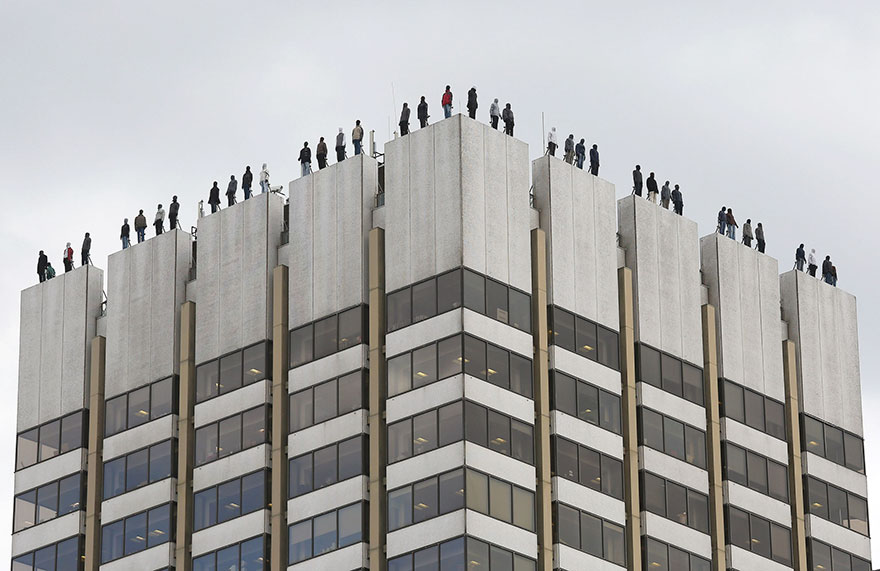 84 Sculptures Appear On Top Of A Building In London To Bring Awareness To Male Suicide Problem