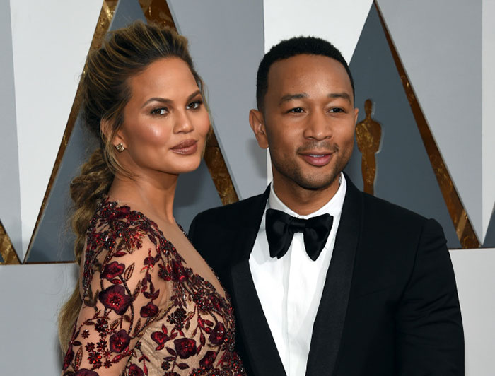 women-dont-take-husband-names-replies-chrissy-teigen-4