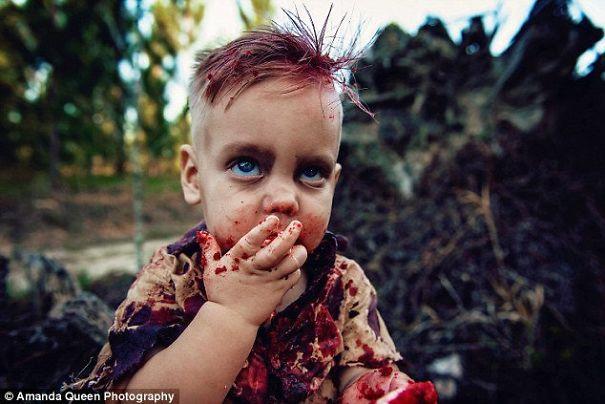 Esta madre fue criticada por hacer una sesión de fotos zombi con su hijo, y cuenta el conmovedor secreto tras ello