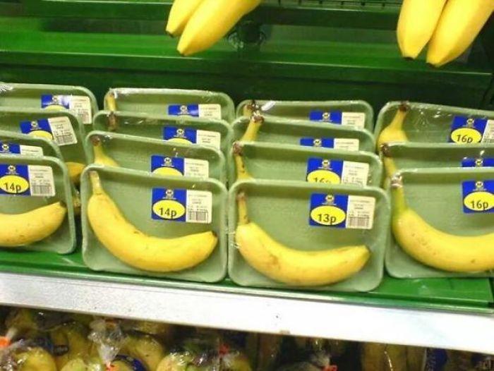 Qué pena que los plátanos no tengan su propia piel pelable