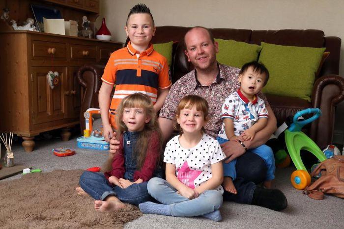 Benjamin Carpenter dan 4 anaknya