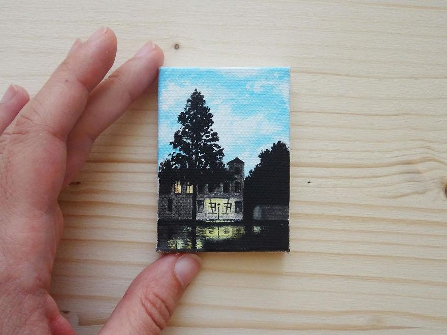 Mini Magritte
