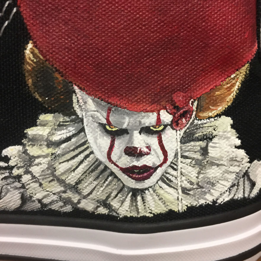 ===Mis zapatillas tienen vida=== I-was-commissioned-to-paint-these-horrorfying-shoes-for-a-young-horror-fan-5ac3667a9e6bf__880