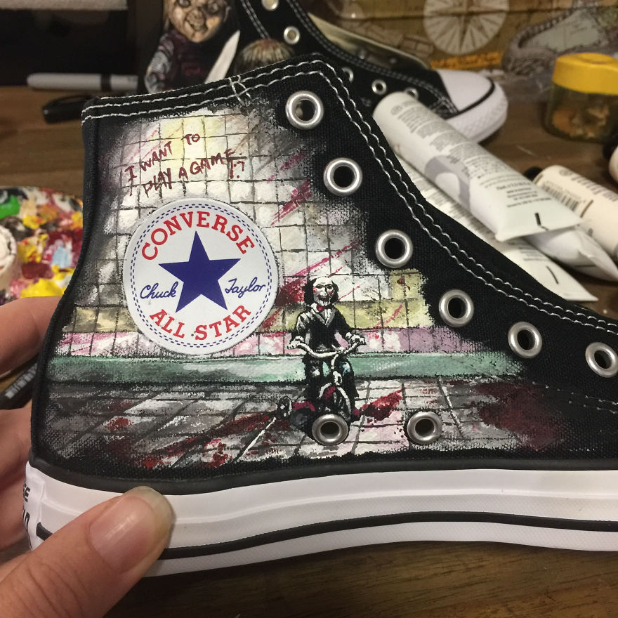 ===Mis zapatillas tienen vida=== I-was-commissioned-to-paint-these-horrorfying-shoes-for-a-young-horror-fan-5ac3667e5a254__880