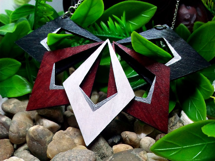 Amazing Jewelries From Durable Recycled Wood