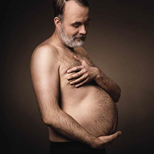 20 Hilarious Beer Belly Maternity Photos