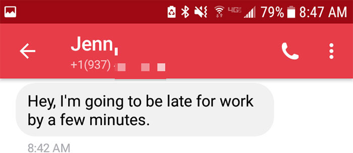 Woman Texts Boss That She's Going To Be Late For Work, And He Has Best Response Ever
