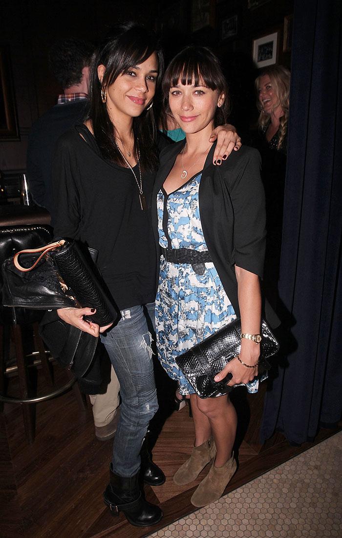Rashida Jones With Her Sister Kidada