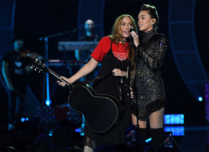 Miley Cyrus With Her Sister Brandi