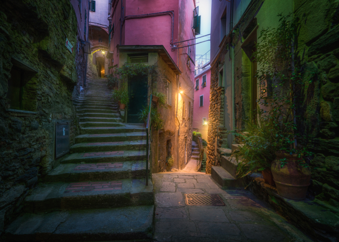 I Capture The Beauty Of Italian Back Alleys, And They Remind Me Of Fairy Tales