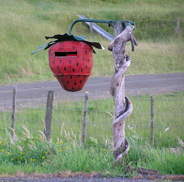 Strawberry Mailbox