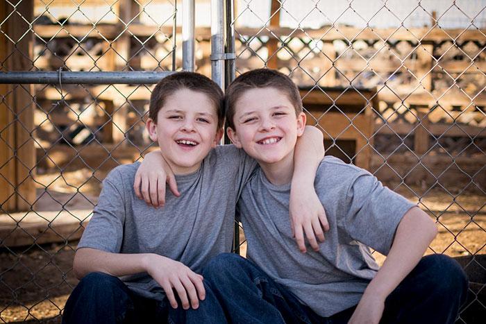Hayden dan Cameron (Facebook)