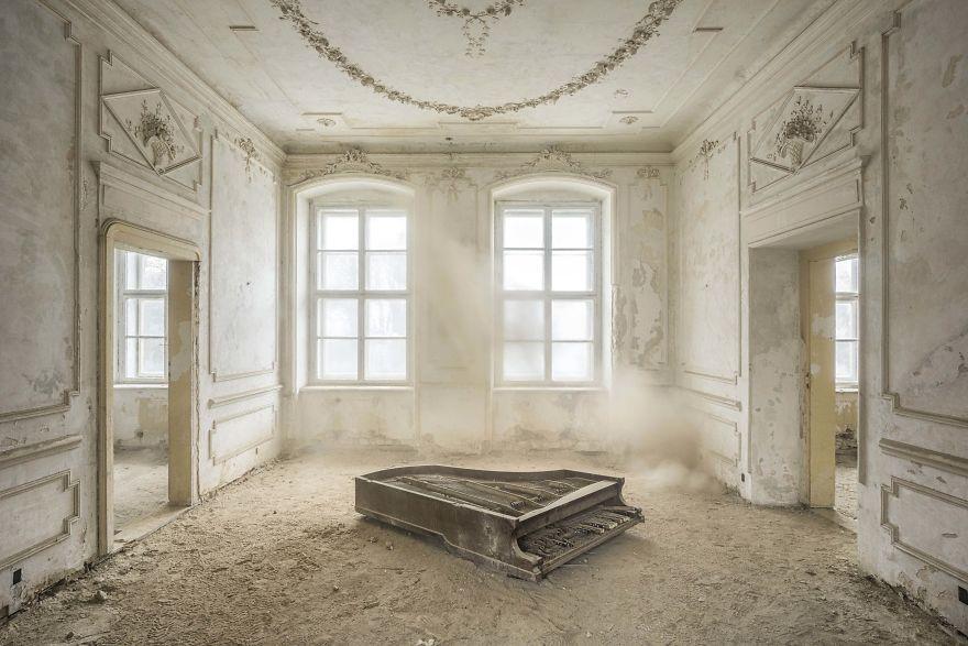 Requiem Pour Pianos 33
