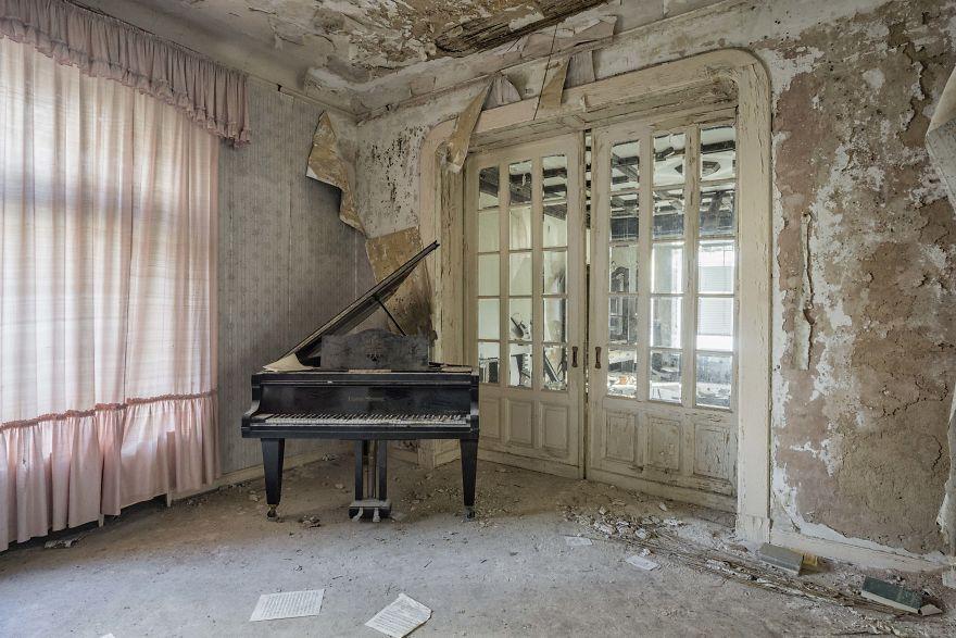 Requiem Pour Pianos 6