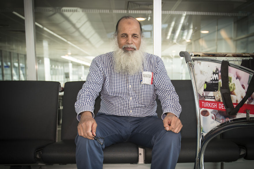 I Photograph 100 Faces From 100 Different Countries At Atatürk Airport, Istanbul