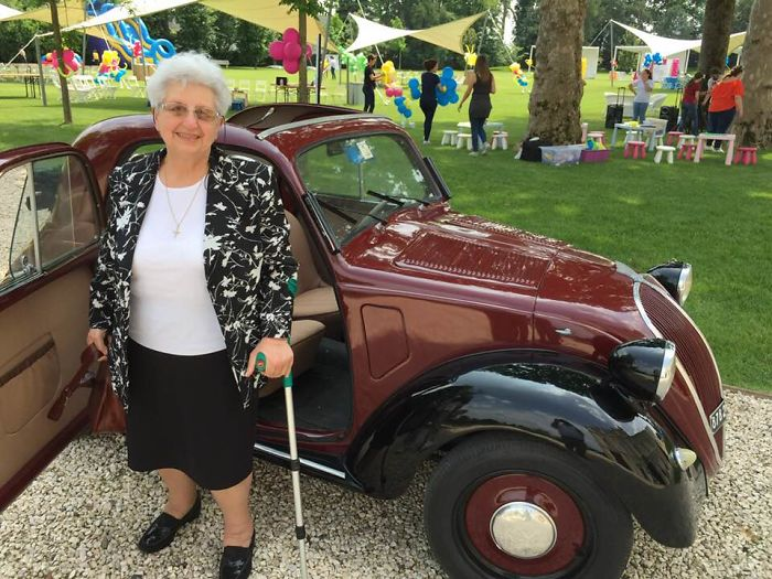 My 83 Years Old Mother Found Her First Car To Come To Family Day In The Office, Her Reaction Was Priceless