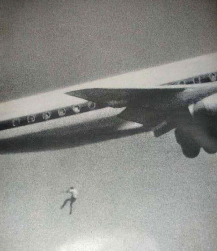 14-Year-Old Keith Sapsford Hid In The Wheel Of A Flight Leaving Sydney Towards Japan. John Gilspin, An Amateur Photographer, Was Testing His New Camera Lens And Unwittingly Caught Keith Sapsford's 200ft Plunge To Death