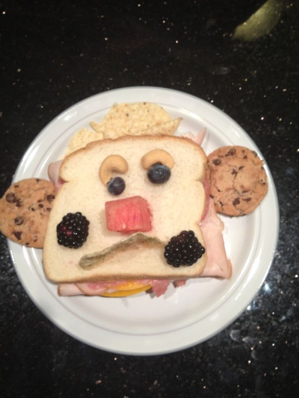 Even Though I'm 21, This Is What I Get When My Dad Makes Me Lunch