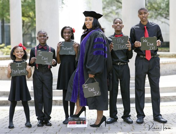 Single Mother Of 5 Proudly Poses With Children In Her Law School Graduation Photo