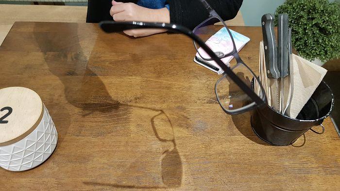 Mis gafas solo son correctivas en el lado derecho, esta es su sombra
