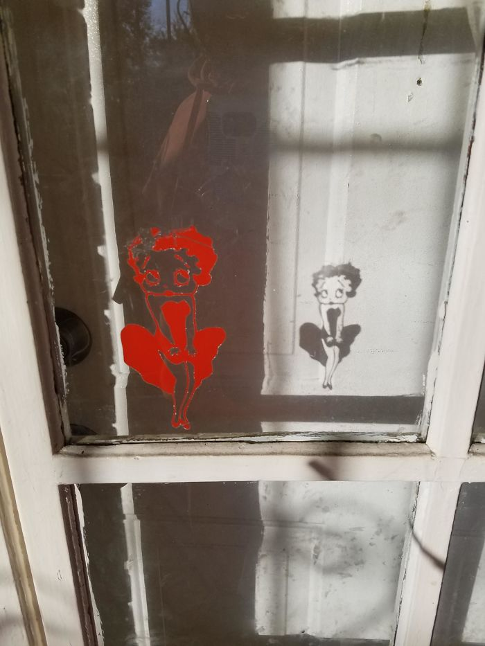 Cool Sticker Shadow Effect I Saw This Morning