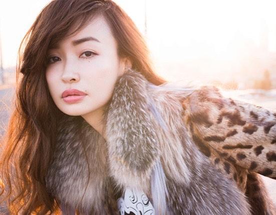 Young-Looking-Japanese-Model-Risa-Hirako