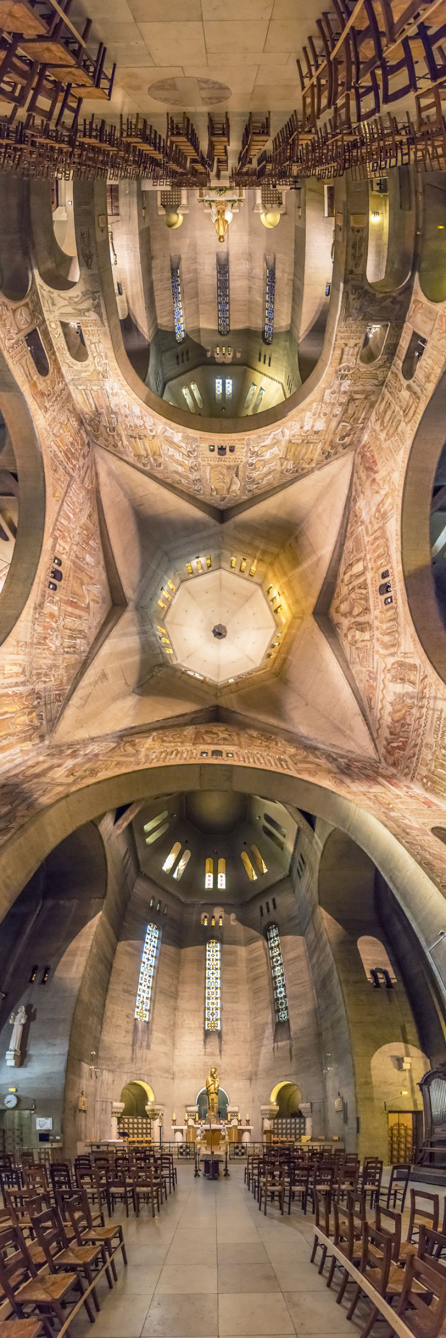 Eglise Saint-Pierre De Chaillot